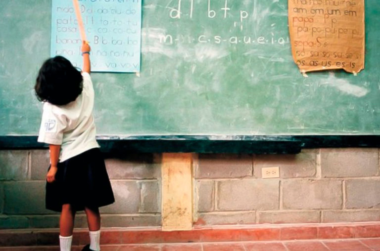 Pobreza e Educação: relação possível e perigosa
